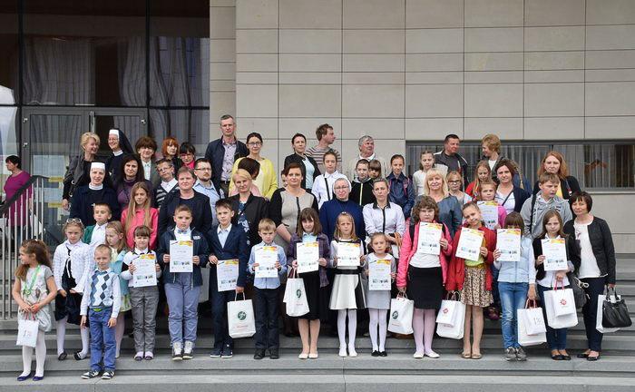 """Gala finałowa Ogólnopolskiego Konkursu Plastycznego  """"Przez okulary wiary"""""""