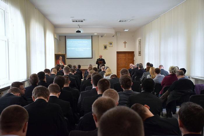 Konferencja wSeminarium Duchownym wŁomży