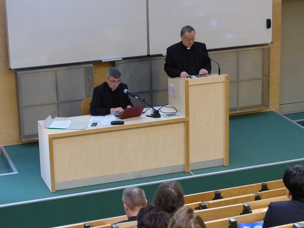 """Międzynarodowa konferencja naukowa""""Senior irodzina: aksjologia, pomoc, wsparcie"""""""