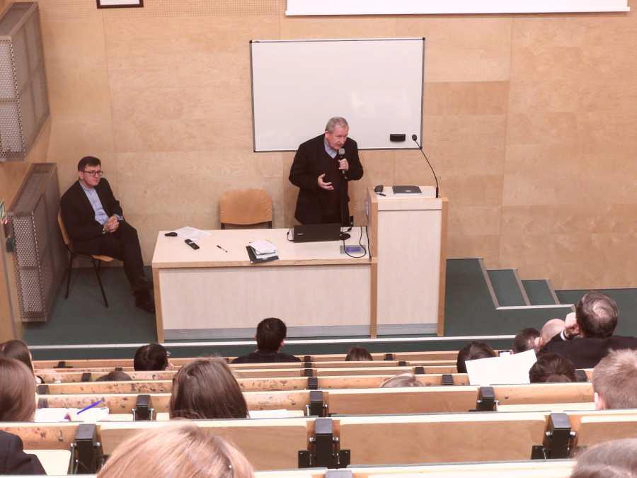 """Międzynarodowa konferencja naukowa """"Pro Familia et Societate. Rodzina wobec wyzwań polityki społecznej"""""""